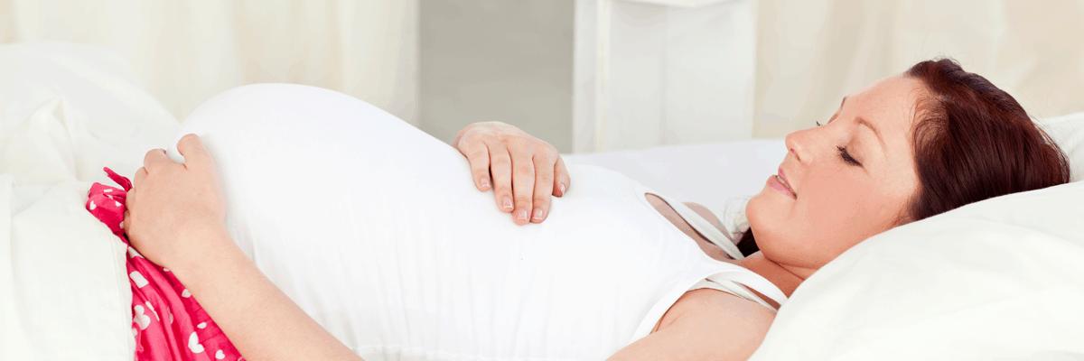 4 raisons pour lesquelles la grossesse fait ronfler